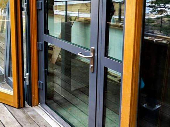 מיגון חלונות ודלתות